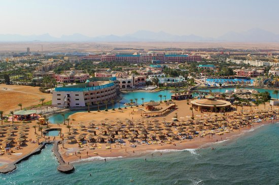 Golden 5 Almas Resort: Helicopter view