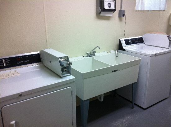 Turah RV Park: Washer and dryer plus large wash basin in each washroom