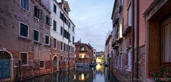 Alla Vite Dorata: Canal, early evening