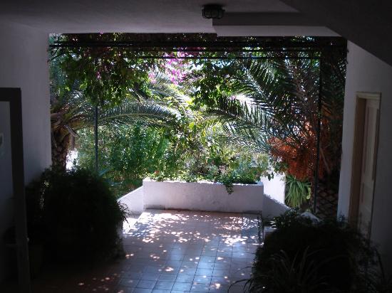 Nautilus Hotel : hotel exit