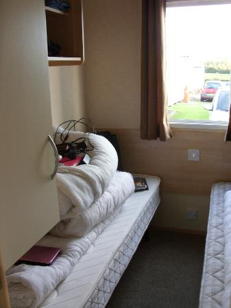 Seaview Holiday Park - Haven: second twin bedroom