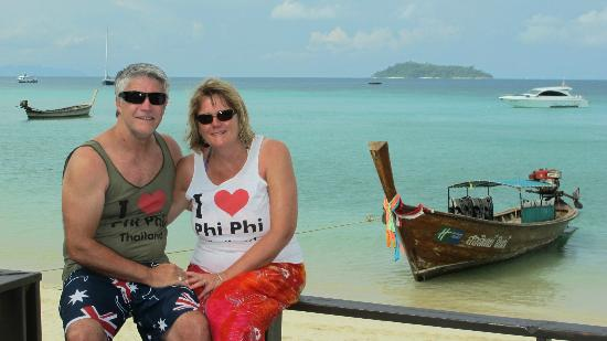 Holiday Inn Resort Phi Phi Island: Photo from the cocktail bar