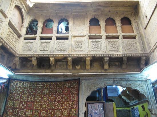 Jaisalmer Art Palace: Exquisite haveli architecture on the inside