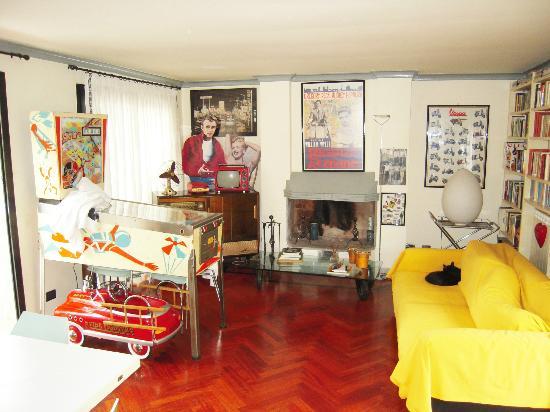 إل بوم: Apartment 