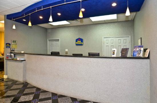 Best Western Franklin Inn: Front desk