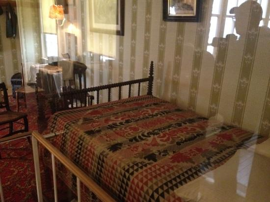 Petersen Boarding House: Lincoln's death bed
