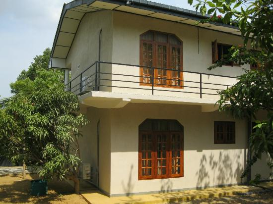 Nice Place Bungalows: Showing the two storey block