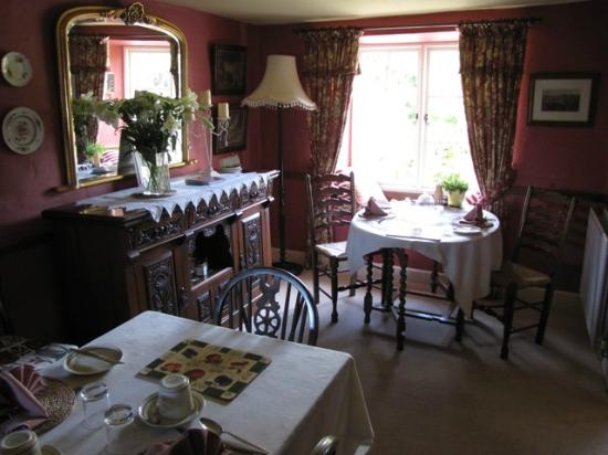High Wray Farm: dining room