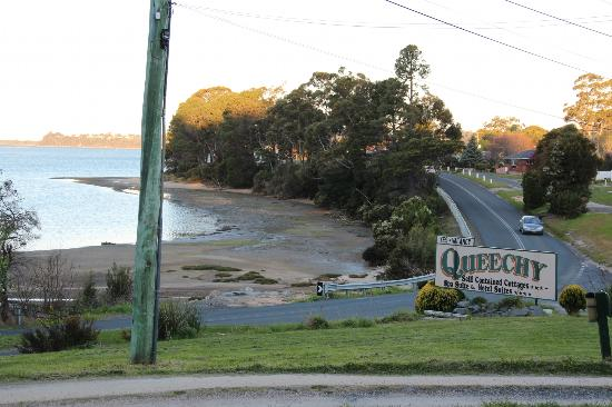 Queechy Cottages: looking out down the tasman highway