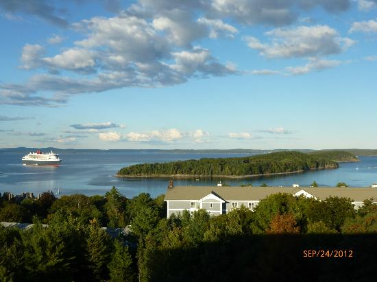 Atlantic Eyrie Lodge: View from room