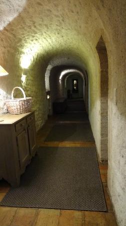 Garrigae Abbaye de Sainte Croix : les couloirs