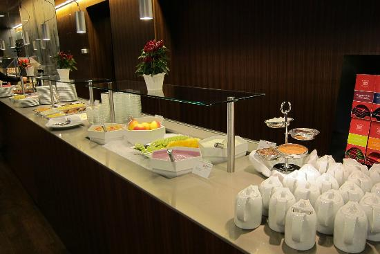 Austria Trend Hotel Europa Wien: Part of the breakfast buffé