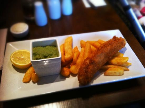 Retreat Grill, Bar and Restaurant: Fish & Chips
