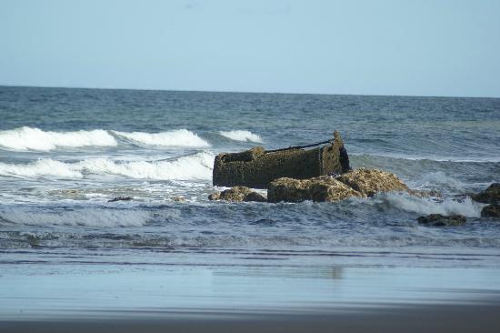 Filey Beach: Old ships boiler