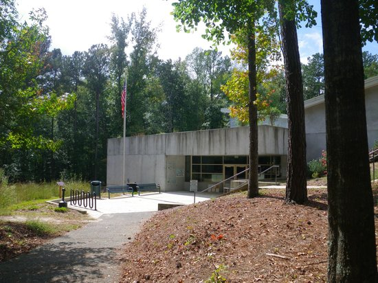 Lithia Springs, GA: Exterior of museum