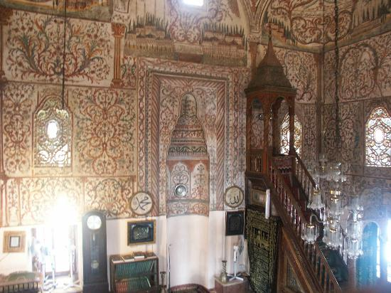 Et`hem Bey Mosque: Ethem Bey, interno, qiblah e minbar
