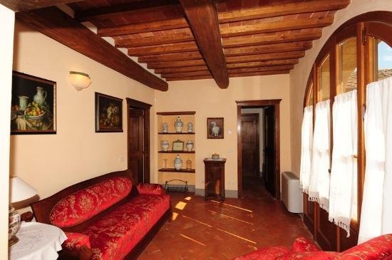 Antico Borgo Frosini: sala appartamento Gemma