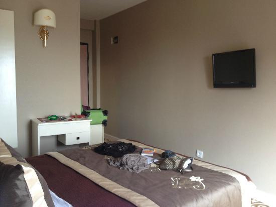 Sunlight Hotel: Room 505