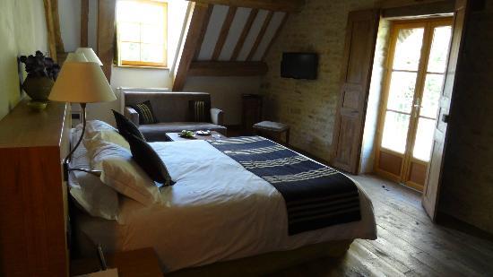Relais & Chateaux - Hostellerie de Levernois: junior suite