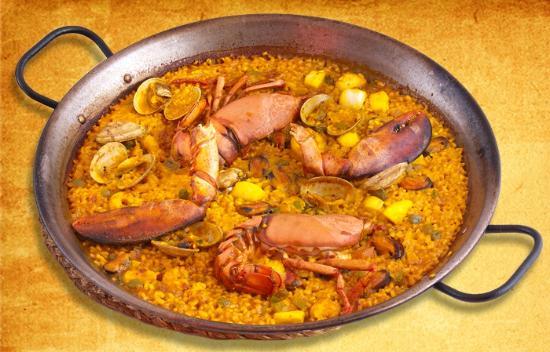 Restaurante Arroceria Puerta de Atocha: paella  de bogavante (bogavante y marisco)