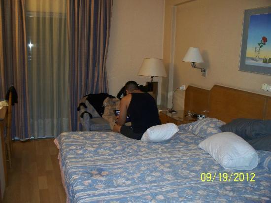 Ionis Hotel: room
