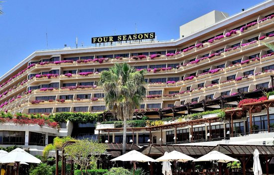Four Seasons Hotel: Four Seasons - Main Building