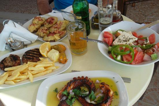 Mesogios Beach: porzioni super abbondanti,ATTENZIONE!!!