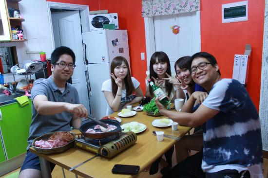 SoDam Guesthouse: Dinner party