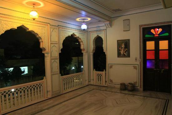 Krishna Palace: 1