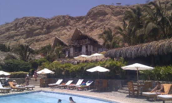 Hotel Grand Mare & Bungalows: Piscina