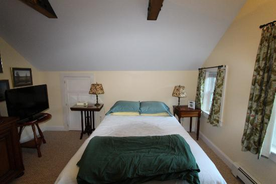 Chatham Guest Rooms: East Guest Room