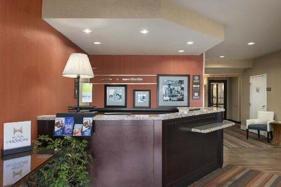 Hampton Inn Merrillville: Front Desk