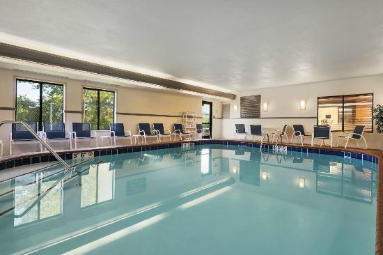 Hampton Inn Merrillville : Indoor Pool