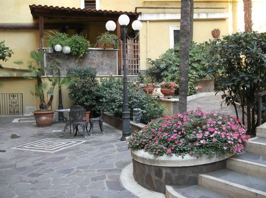 Villa San Lorenzo Maria Hotel: relax and enjoy