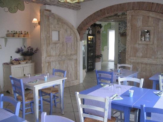 La provenzale castelminio ristorante recensioni numero for Arredamento ristorante italia