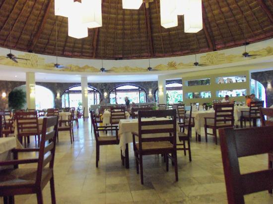valentin imperial riviera maya le marche buffet