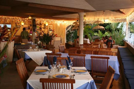 Bougainvilla Hotel: restaurant and bar