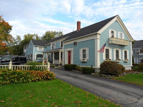 Blue Harbor House Inn: Beautiful New England Inn