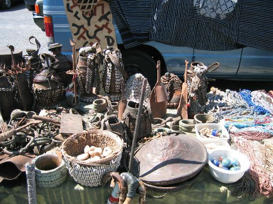 Golden Nugget Antique Market: Local Vendors