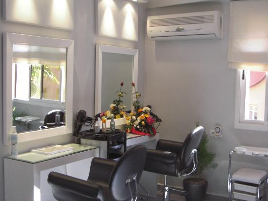 salon dalida poste de coiffure - Salon Coiffure