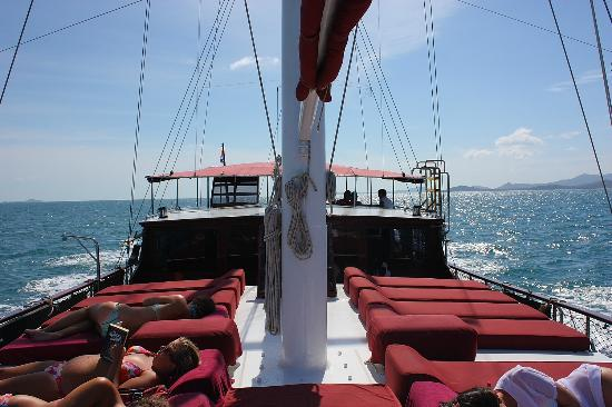 Boutique Yachting - Day Cruises & Private Charters: a