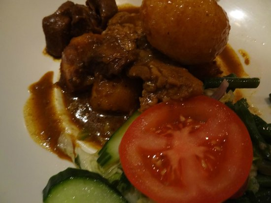 Spang Makandra: The lamb and chicken roti