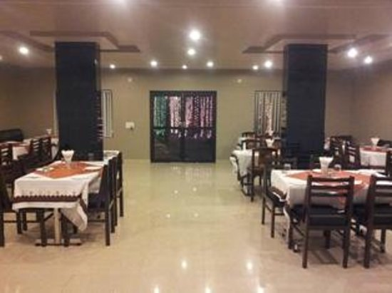 Seating Arrangement In Hall Picture Of Kesar Restaurant Agra Agra