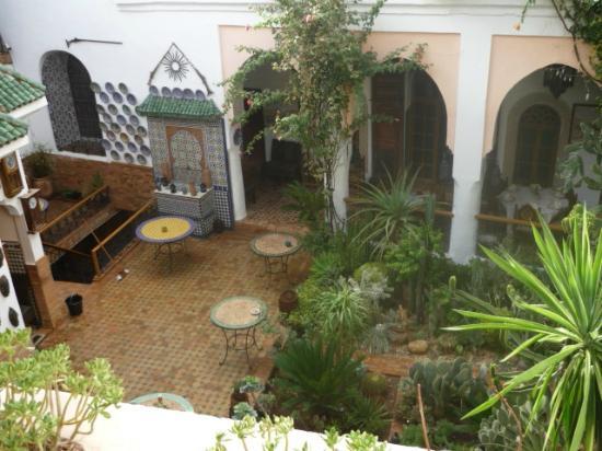 Riad Meknes: cour intérieure