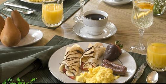 Colonial Gardens Bed & Breakfast : Breakfast