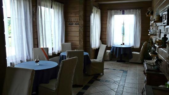 Lacu Miga: Salón de desayunos