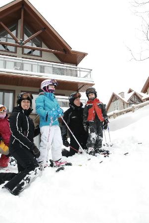 Location Blanc Sur Vert: Blanc sur Vert - Easy Ski-in Ski-out access for whole family