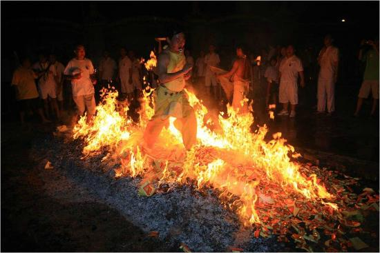 fire walking ceremony picture of tow boo kong temple butterworth