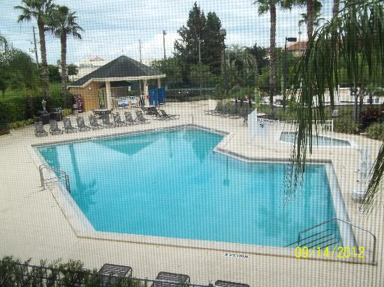 Orlando's Sunshine Resort: great pool, also sauna and hot tub available