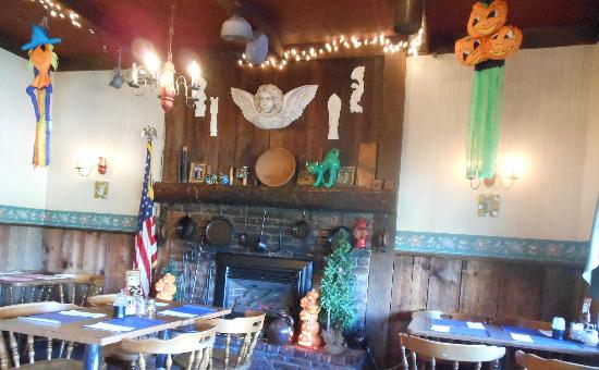 The Antique Inn: Angel over the fireplace